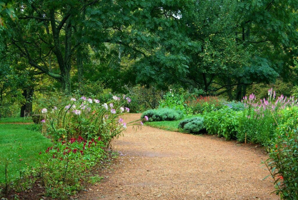 gravel garden path